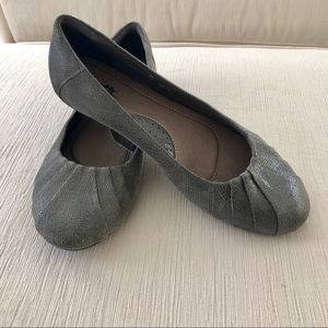Grey Leather Earth Ballet Flats